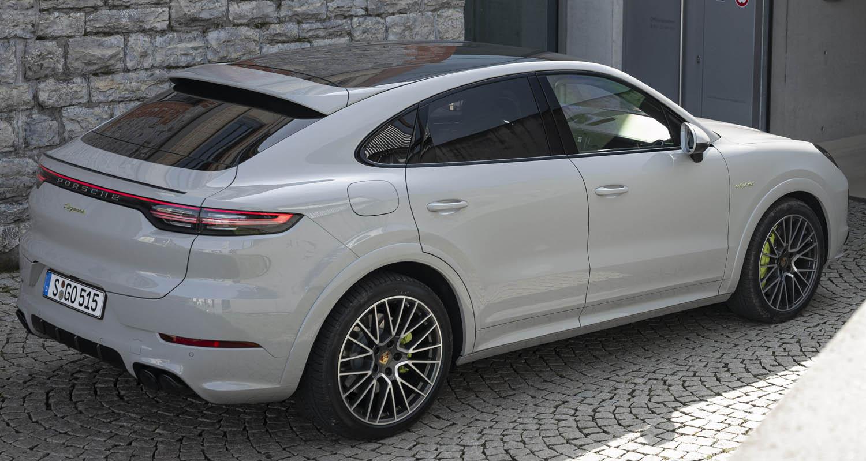 زيادة كبيرة في عدد سيارات بورش الجديدة المسلّمة الى العملاء في العالم لموسم 2021
