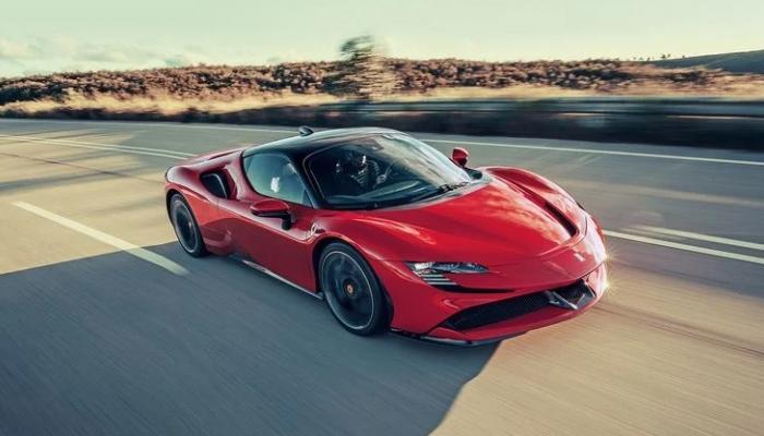 أقوى السيارات الرياضية الهجينة بالأسواق و فيراري تتصدر