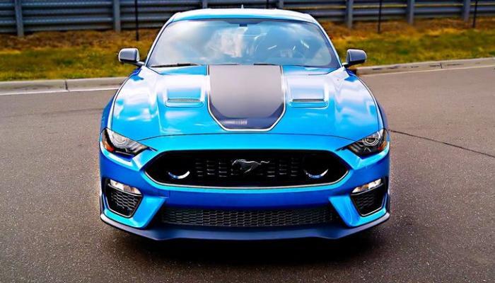 سيارات رياضية حديثة بناقل سرعة يدوي أبرزها فورد موستانج