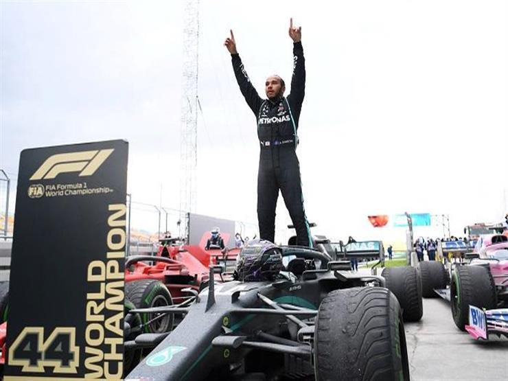 هاميلتون يفتتح موسم فورمولا-1 بفوز مثير في البحرين
