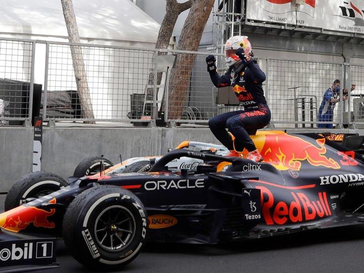 فيرستابن يفوز بسباق موناكو وينتزع صدارة فئة السائقين في فورم