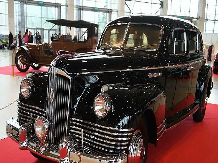 تتخطى 12 مليون جنيه.. سيارة ليموزين سوفيتية نادرة للبيع بموس