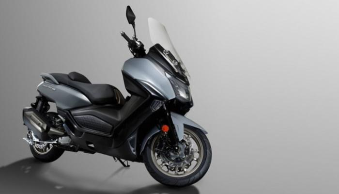 Maxsym 400 دراجة نارية جديدة تزأر بقوة 34 حصانا