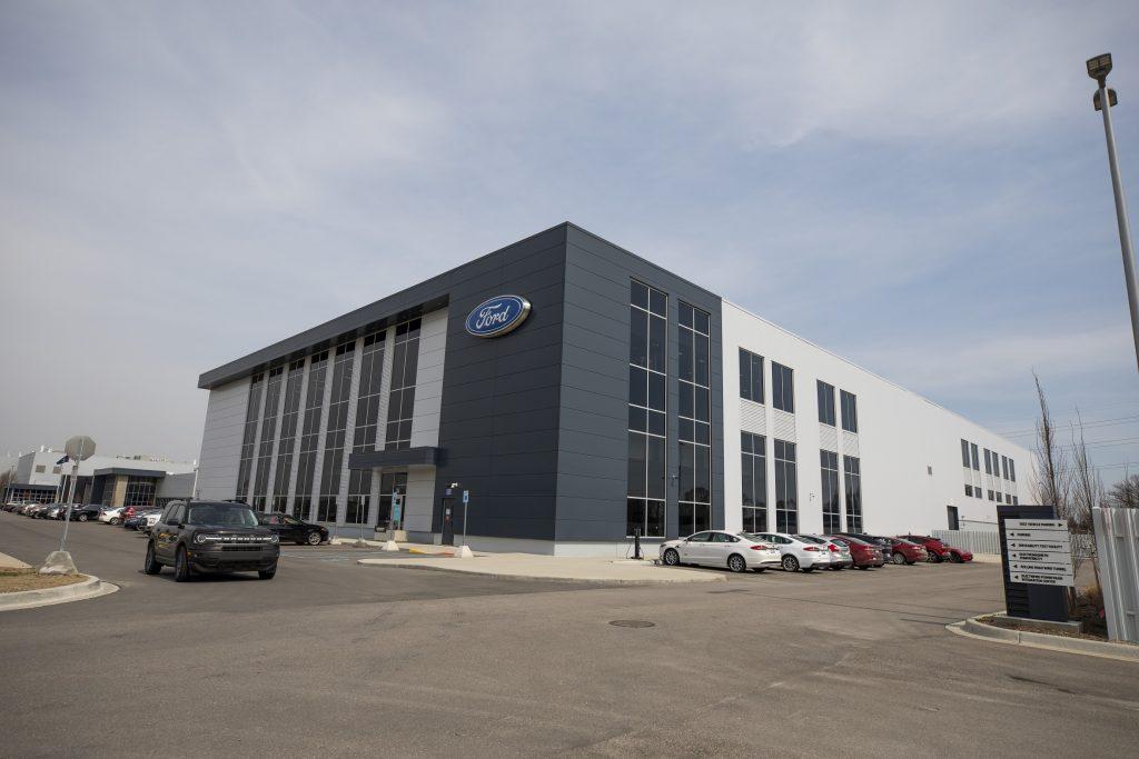 فورد تأسس مركز التميز العالمي للبطاريات فورد أيون بارك