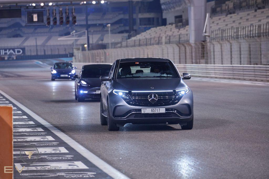 أول فعالية للسيارات الكهربائية على حلبة مرسى ياس للفورمولا 1 بأبوظبي