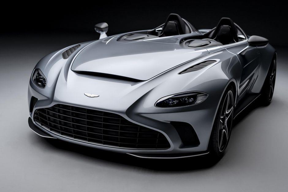 أستون مارتن v12-speedster-