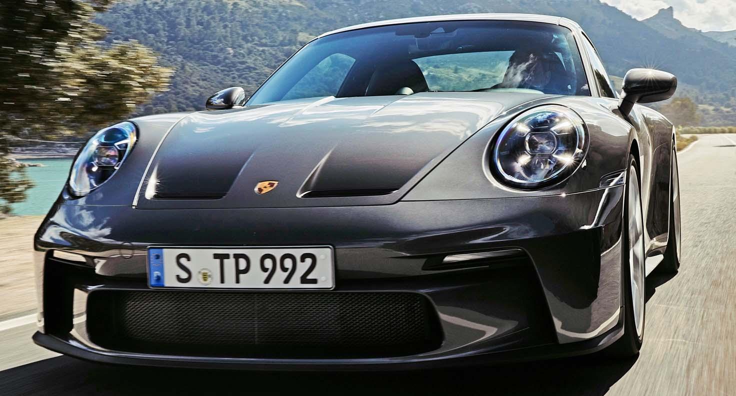 بورش 911 جي تي 3 تورينغ 2022 الجديدة كلياً – عندما يجتمع الأداء الفائق مع البساطة التصميمية الجميلة