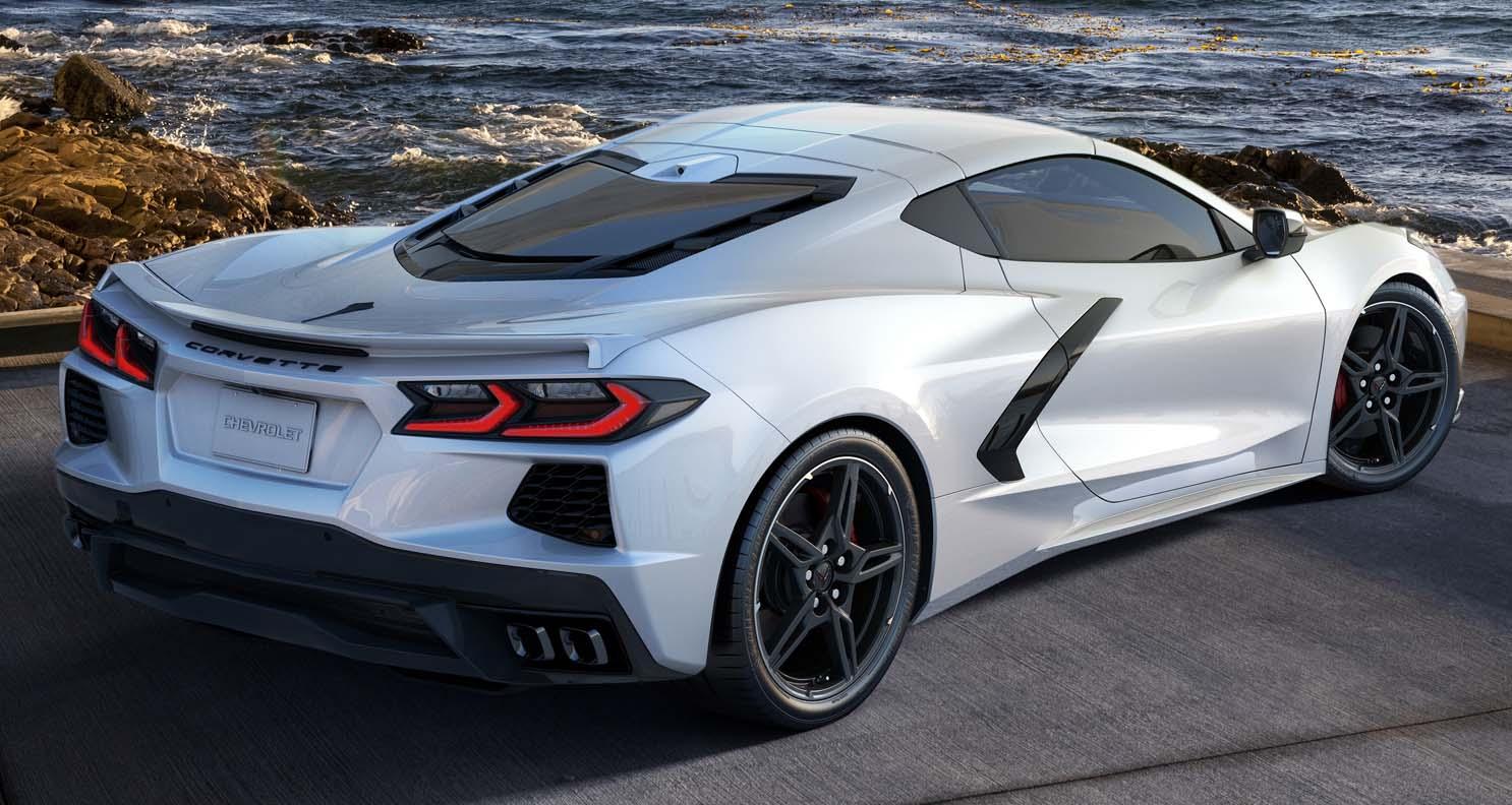 شيفروليه كورفيت 2022 المتجدّدة – تعديلات اضافية ونسخة خاصة من السيارة الأميركية الرياضية الأولى