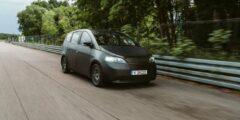 """سونو موتورز تتحدى تسلا بسيارة """"الخلايا الشمسية"""""""