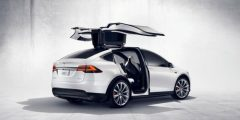 8 طرازات تتصدر السيارات الكهربائية الفارهة في 2021