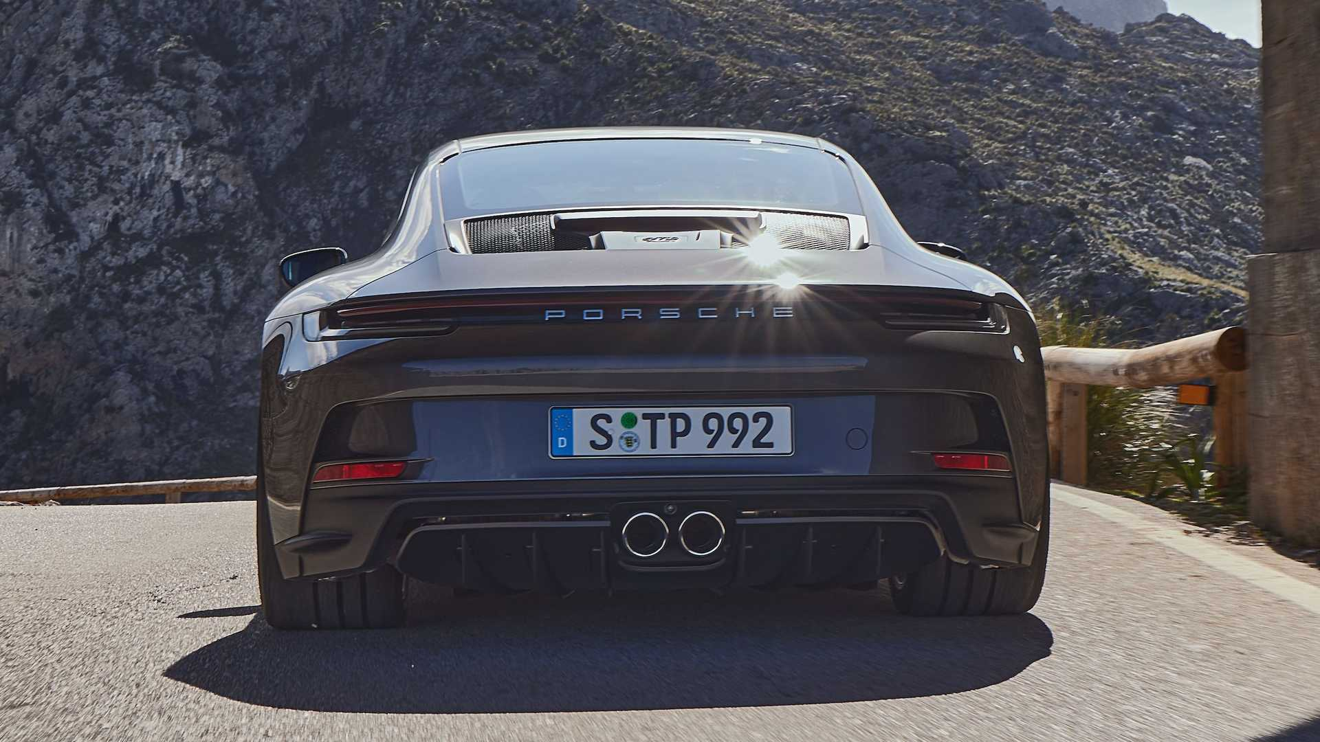 بورشه 911 جي تي 3 تورينج 2022