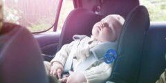 خبراء يحذرون.. هذه مخاطر ترك الأطفال في السيارة تحت أشعة الش