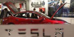 لهذه الأسباب.. تيسلا تستعد لسحب أكثر من 285 ألف سيارة كهربائ