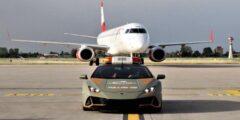"""سيارات لامبورجيني في مهمة """"غريبة جدا"""" بمطار بولونيا.. لقطات رسمية"""