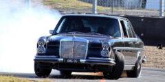 قلعة السيارات – مرسيدس كلاسيكية تحصل على محرك AMG عصري بقوة 514 حصان