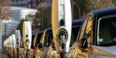 إسبانيا تنفق 5 مليار دولار لإنتاج سيارات كهربائية.. وتسعى لب