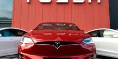 """تسلا"""" تطالب الحكومة الهندية بخفض رسوم استيراد السيارات الكهر"""