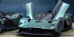 أستون مارتن فالكيري سبايدر 2022 الجديدة تماماً – تجربة استثنائية تحاكي أداء سيارات الفورمولا 1