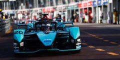 جاغوار للسباقات تمدد عقد السائق ميتش إيفانز في بطولة الفورمولا إي