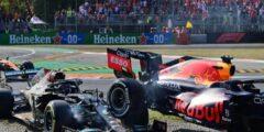 سيارة ريد بل تمتطي سيارة مرسيدس في حادث بفورمولا-1 الإيطالي.