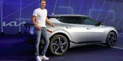 نجم التنس العالمي رافاييل نادال يروّج لاستخدام السيارات الكهربائية مع سيارة كيا إي في 6 الجديدة